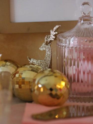noël rose et or,tables de fêtes rose et or,noël glitter doré et rose,mon réveillon de noël en rose et or