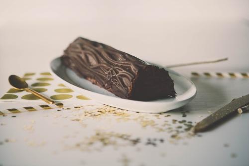 bûche effet bois chocolat et caramel beurre salé,bûche effet bois,tapis relief bois,buche chocolat et caramel beurre salé