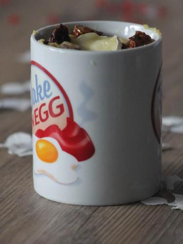 mug cake chèvre et tomates séchées,mug cake salé,recettes mug cake