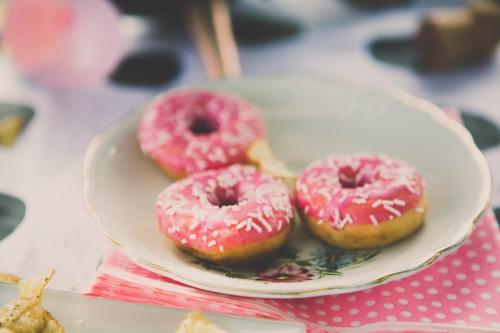 gateau donuts,pink cake,rose cake,cake rose,gateau de mariage,gateau d'anniversaire,flamant rose le blog