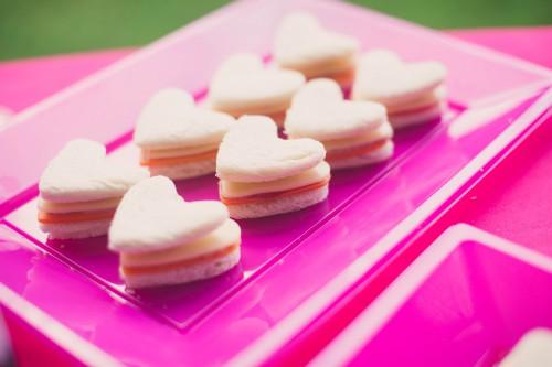 anniversaire rose,candy bar rose,un anniversaire pour voir la vie en rose !