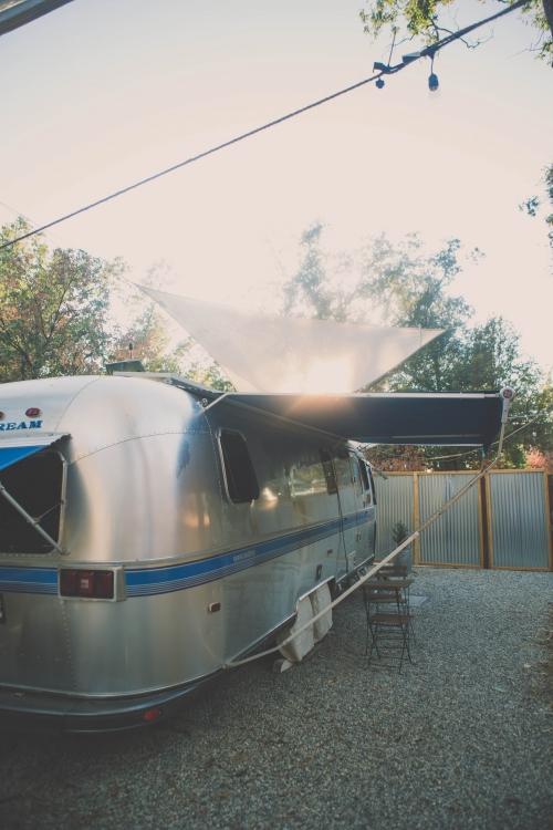 une nuit dans les yosemites,yosemite,dormir dans le parc yosemite,airstream yosemite,airbnb yosemite,experience de reve yosemite,airstream,coarsegold vacation yosemite
