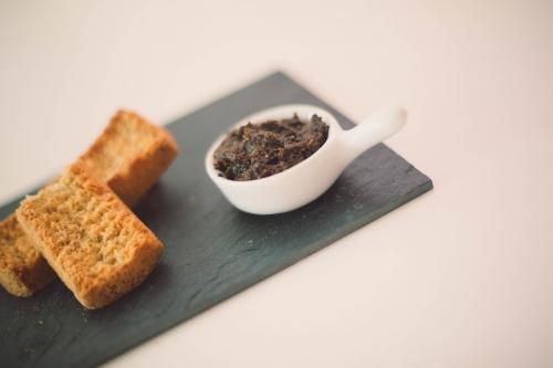 tapenade verte,tapenade noire,recette de tapenade,tapenade aux olives vertes,tapenade aux olives noires