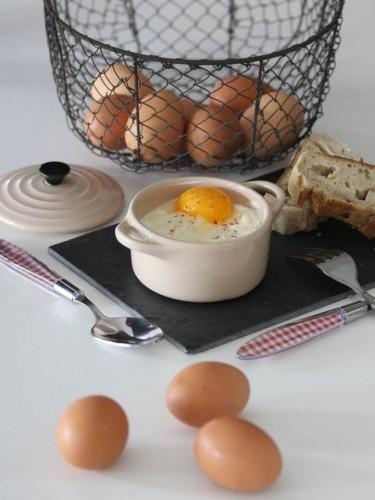 Œufs cocotte lardons,oignons et mozzarella