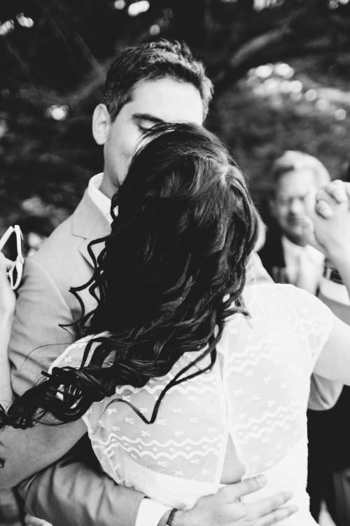 blog nantes,organiser un mariage surprise,mariage surprise,mariage surprise organisation,mariage civil noirmoutier,mariage noirmoutier,gâteau à la plage,mariage au jardin de tana,villa la chaise noirmoutier,mariage au bois de la chaise
