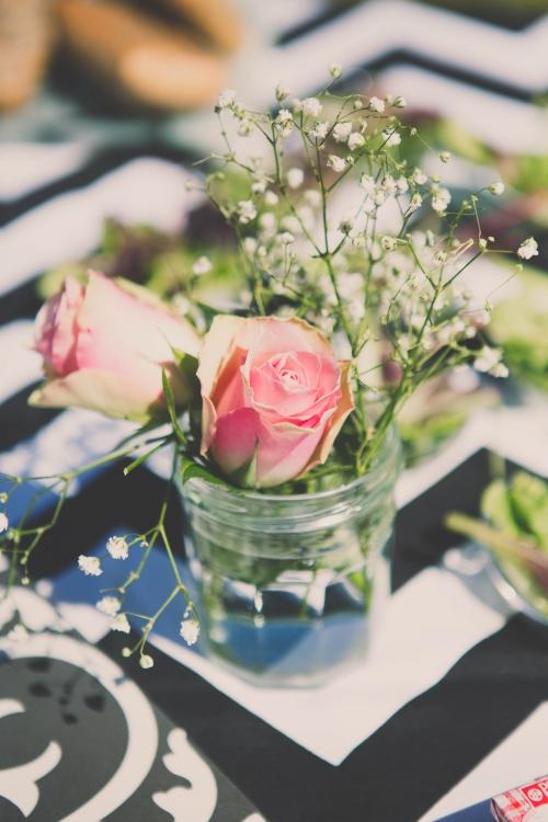 60 ans,anniversaire surprise,anniversaire le mans,fête rose poudrée,lunettes rose poudrée,vaisselle noir et blanc,my little day,candy bar