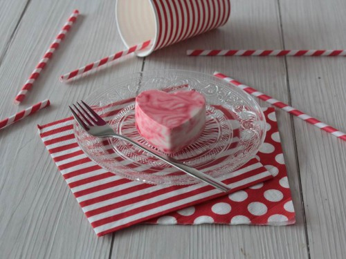 cheesecake effet marbré,cheesecake au chocolat blanc effet marbré,cheesecake red velvet,cheesecake saint-valentin,cheesecake en forme de cœur