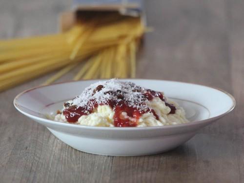spaghettis en panna cotta,spaghettis bolognaise version sucré