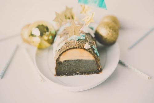 flamant rose le blog,flamant rose nantes,blog nantes,buche glacée vanille chocolat,buche de noel,buche vanille chocolat,nantes,recettes nantes,buche glacée,buche vanille,buche chocolat,décors en pâte à sucre,décors de noel en pâte à sucre,alice délice nantes,emportes-pièce push flocon,buche glacée à la vanille et au chocolat