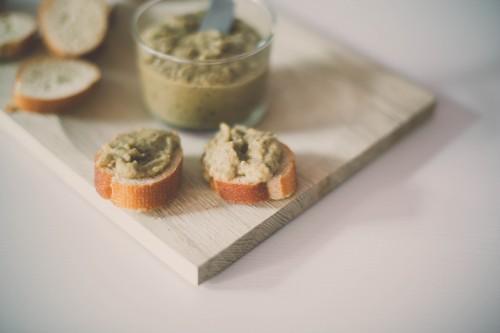caviar d'aubergine,recette caviar d'aubergine,toasts de caviar d'aubergine